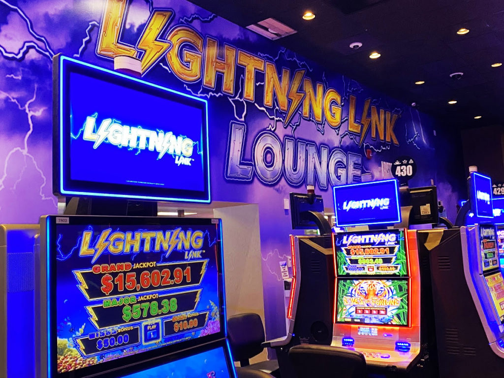 Lightning Link Lounge