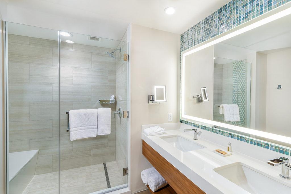 Pechanga Queen Bathroom