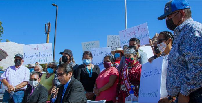 Navajo Leaders support legislation