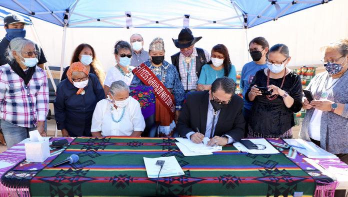 President Nez Signs Utility Agreement